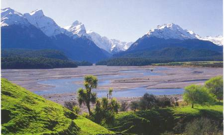 Dart River near Glenorchy, 25 minutes scenic drive fromÊLittle Paradise Lodge.